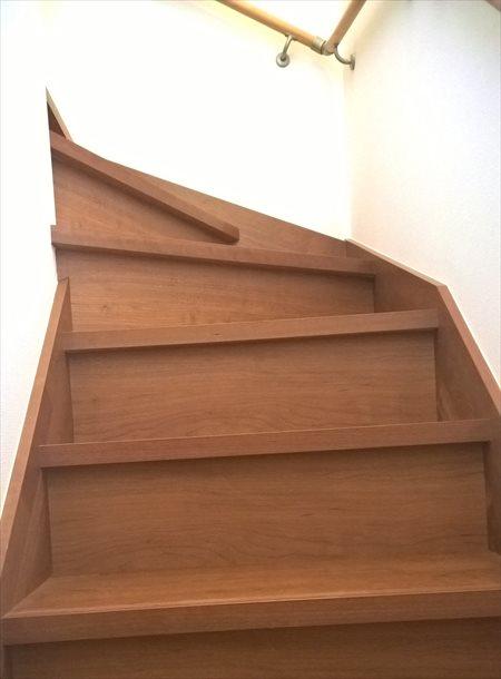 小屋裏までの階段