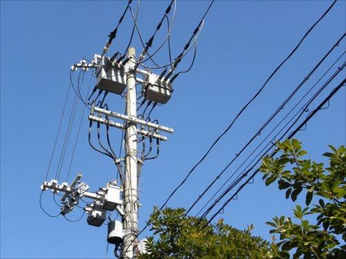 送配電網の利用には一定の料金が掛かる(託送料金)