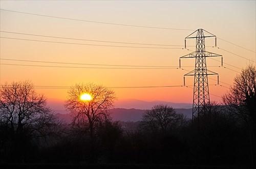 電線の使用料金は新電力利用者も実質負担