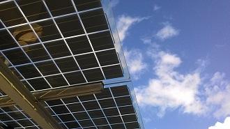 Looopでんきは太陽光発電設備の会社